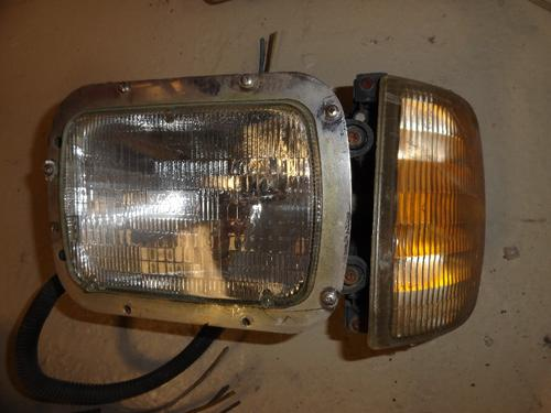 INTERNATIONAL 9400 Headlamp Assembly