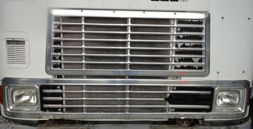 INTERNATIONAL COF-9700 SBA Grille