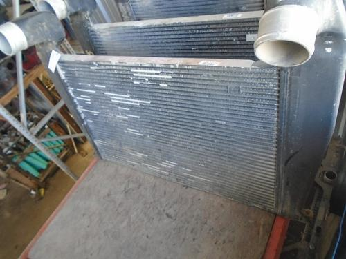 INTERNATIONAL 9300 Intercooler